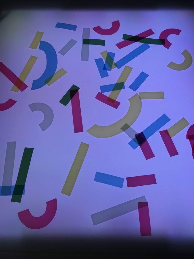 Piezas para montar letras
